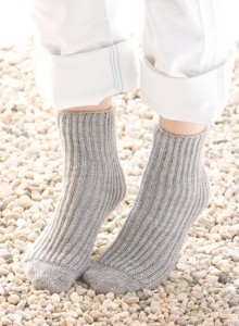 How to knit tube socks? Go brioche. (+ giveaway!) - Stitch This! The Martinga...