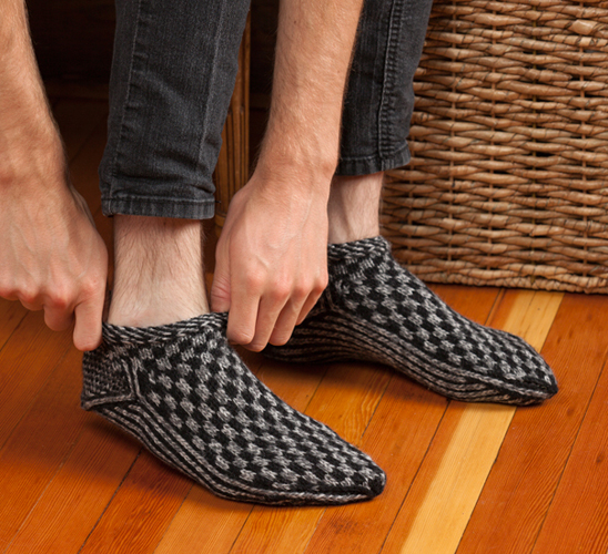 Mens Knitted Slipper Pattern : I play, you play we all play on I Love Yarn Day! (+ giveaway) - Stitch This! ...