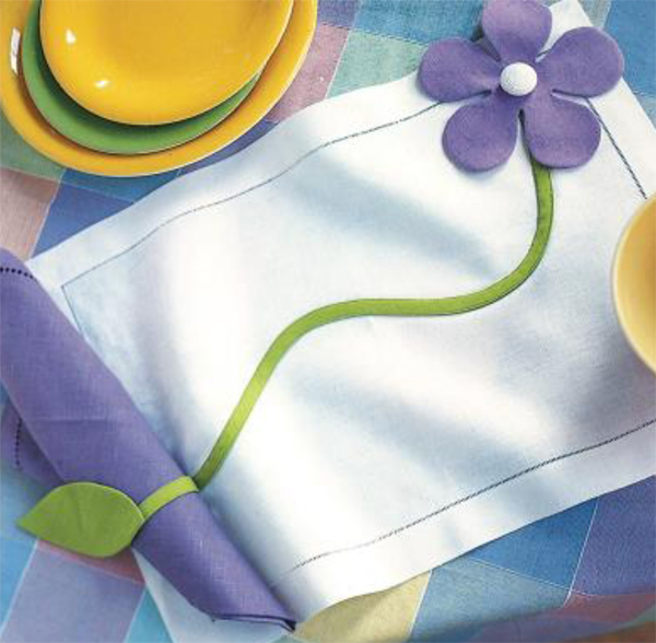Free pattern--Flower Applique Place Mats and Napkin Rings