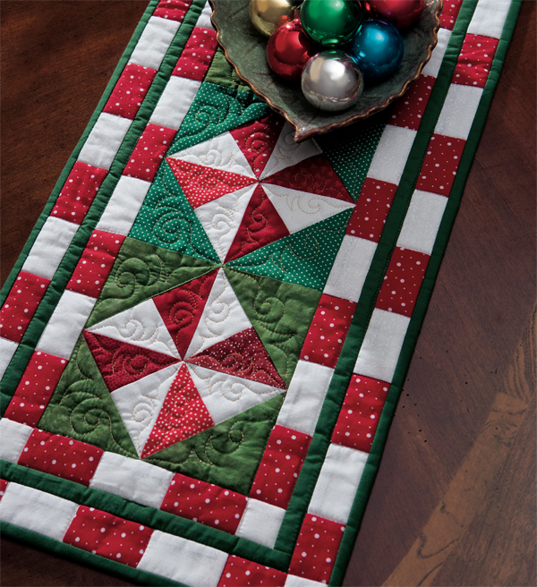 ". Download table now  patchwork Table free xmas pattern ""Peppermint runner Candy the Runner"""