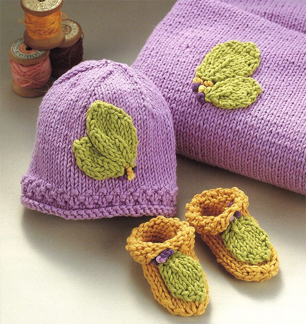 Free knitting pattern: blanket, hat, and booties