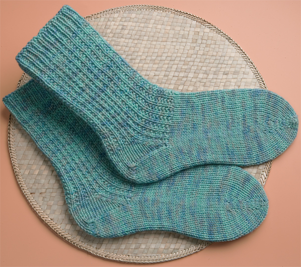 Women's basic toe-up socks