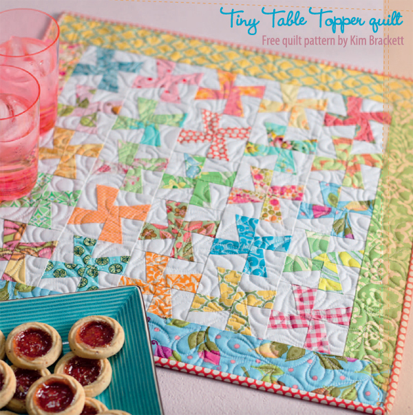 Tiny-Table-Topper-free-patchwork-quilt-pattern