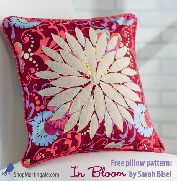 free-pillow-pattern-in-bloom-pillow