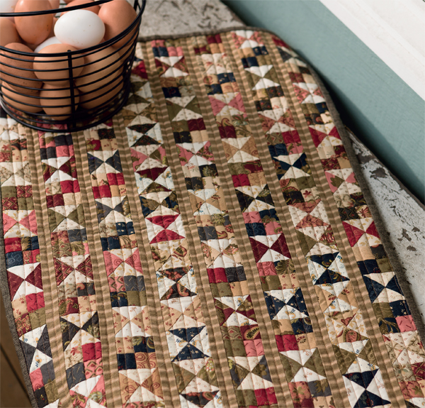 Vintage-Hourglass-and-Four-Patch-quilt