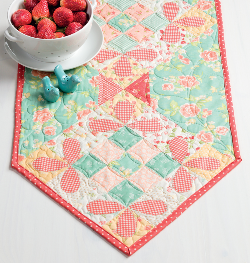 Cottage Charm table runner