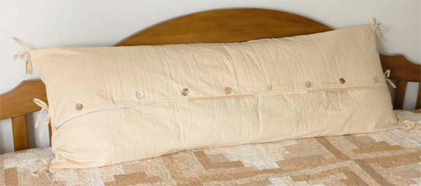 Free pillow pattern--Wrapped in Comfort (back)