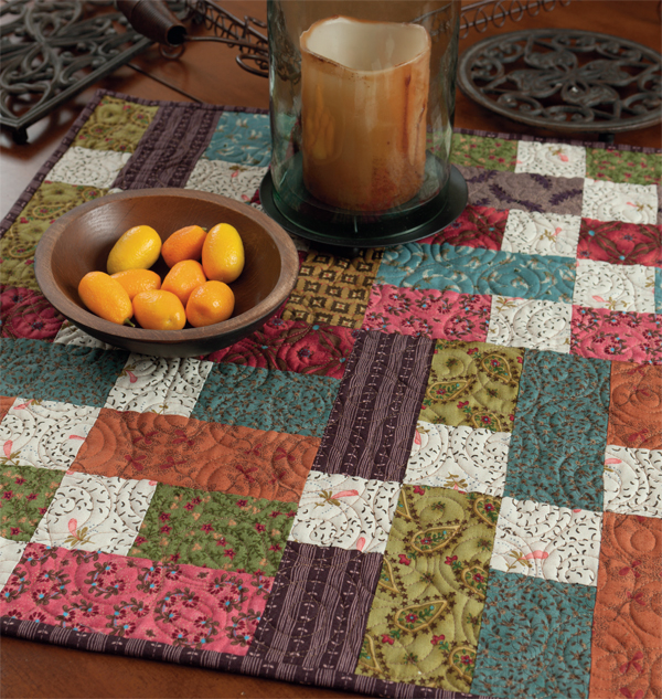 Free table topper pattern from Kim Diehl