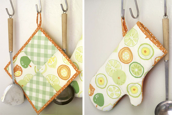 Gift ideas for dad--pot holder and oven mitt