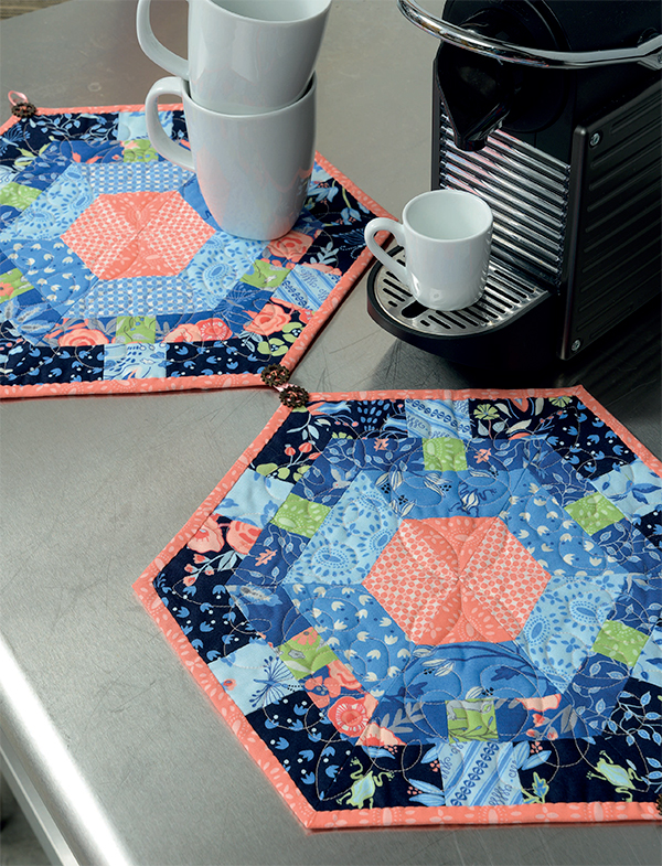 Detachable Hexagons table runner